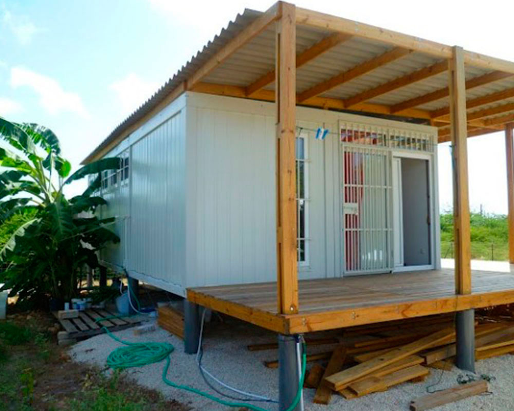 cabina playa con container