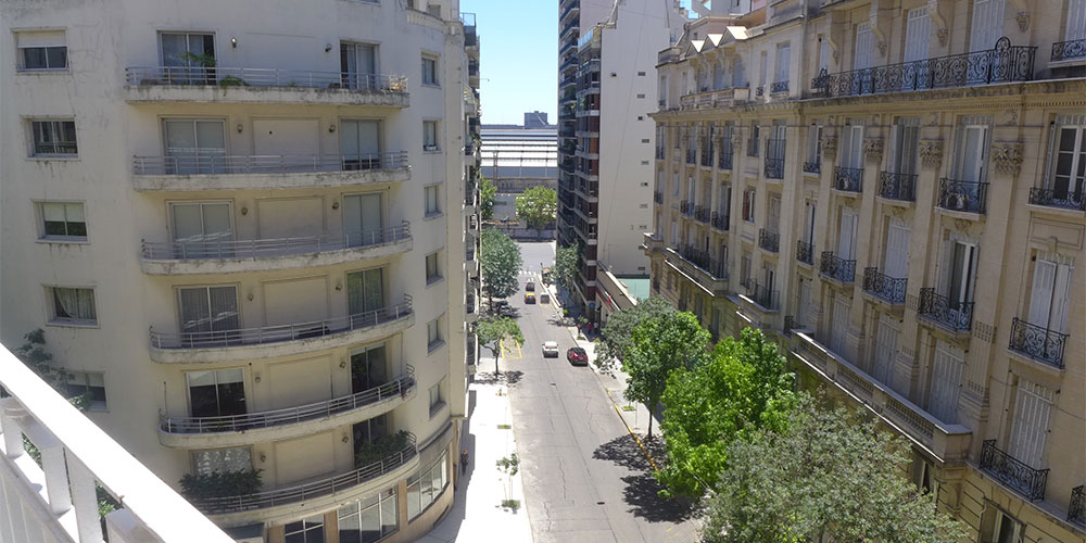 vista-de-calle-esmeralda-recoleta