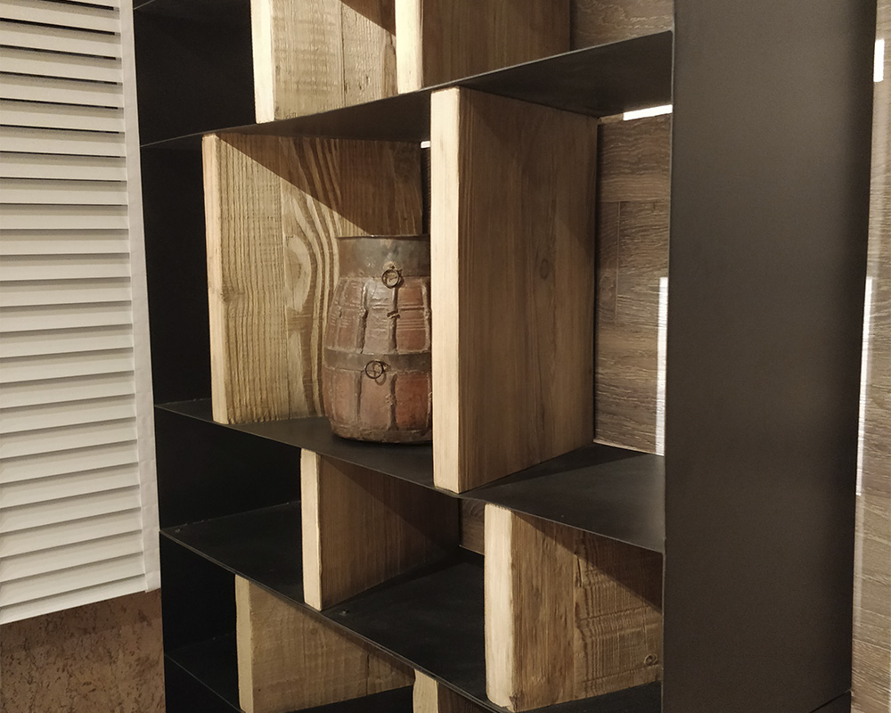 biblioteca en metal y madera FOA