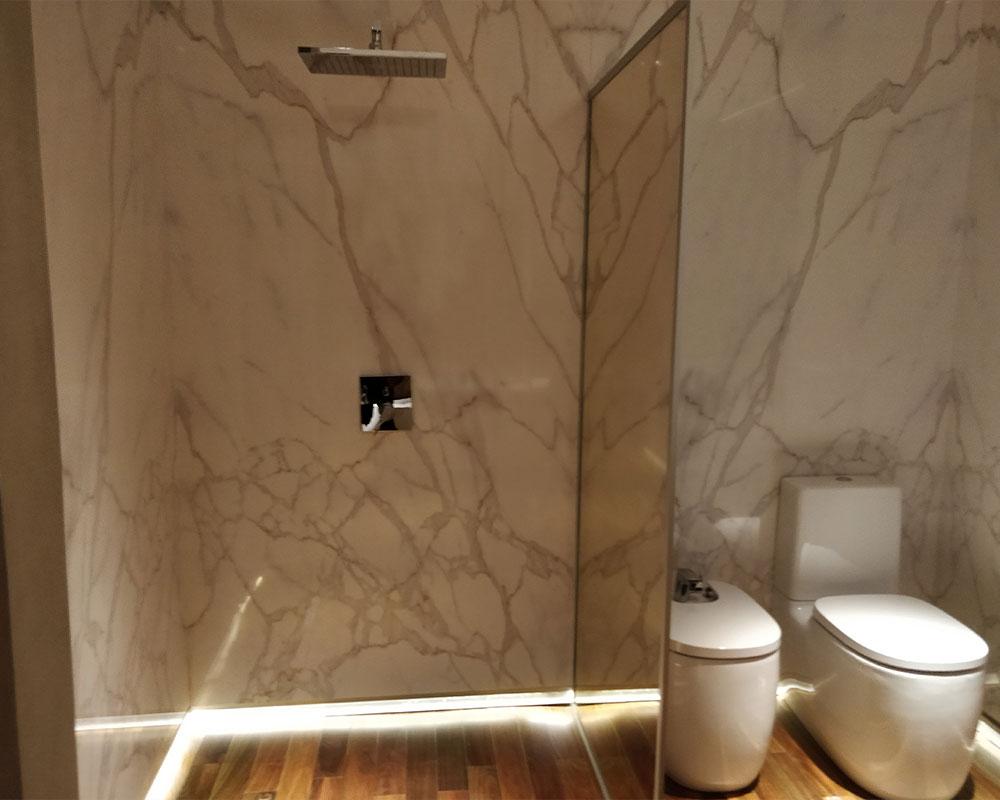 baño-mármol FOA
