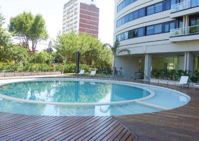 gran-piscina-con-deck